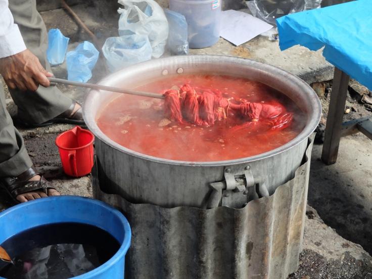 lac dye pot