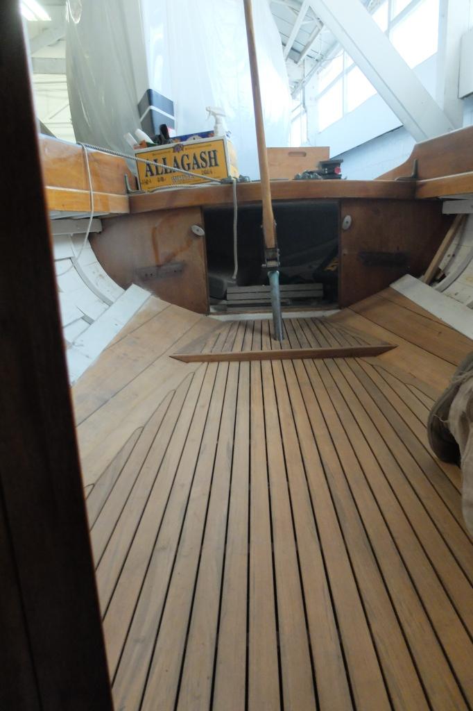 by www.urbanboatworks.com